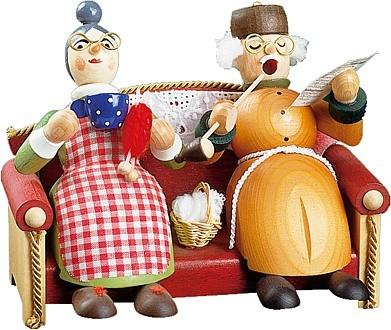 Richard Glässer Räuchermännchen Oma und Opa auf Sofa