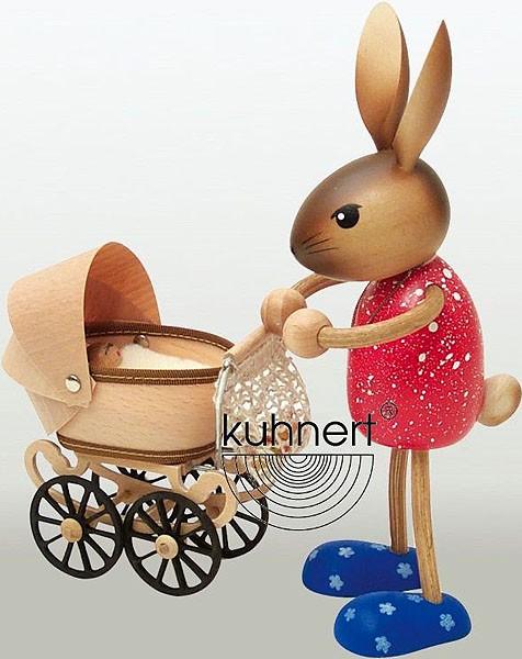 Drechslerei Kuhnert Hasenmutti mit Kinderwagen