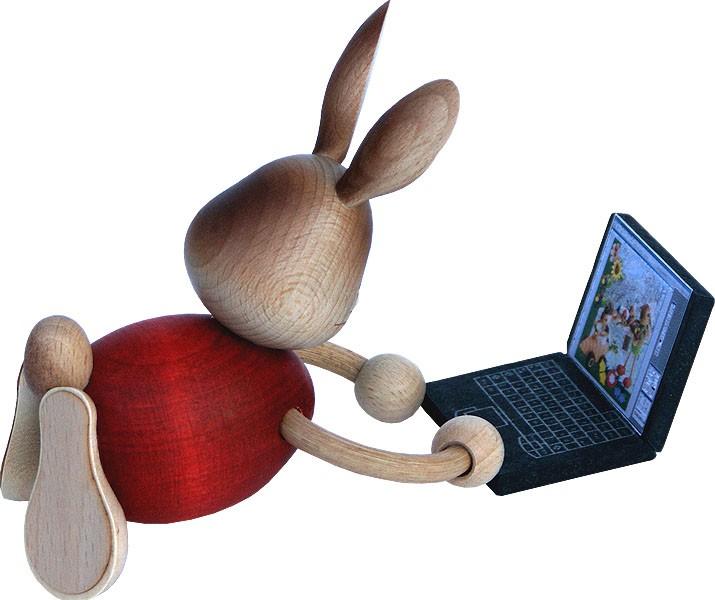 Drechslerei Kuhnert Stupsi Hase mit Laptop
