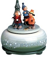 Small play tin winter fun and sledges