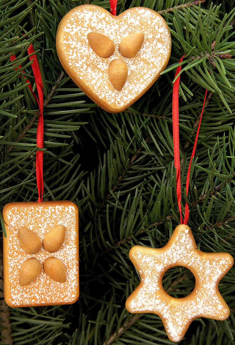 tree ornament gingerbread